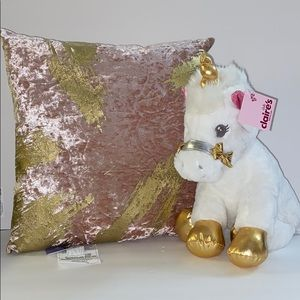 NWT CLAIRE'S throw pillow and unicorn set